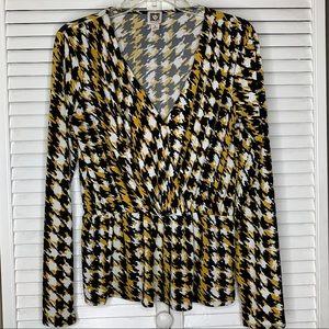Checkered Black, Yellow and White Top